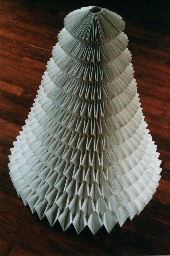 Cônes de papier au millier de plis