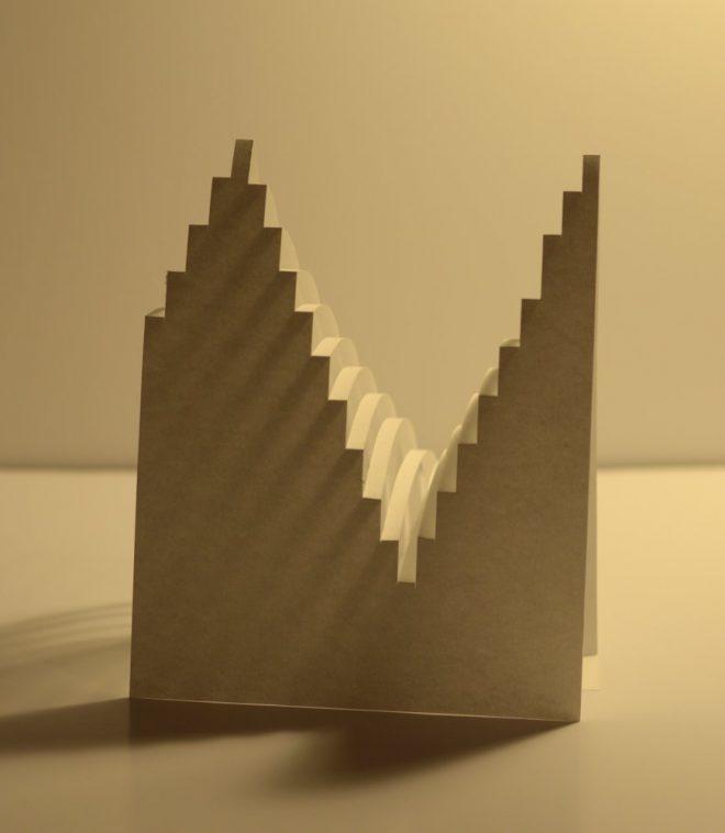 Crénaux de papier découper en forme de toits pentus