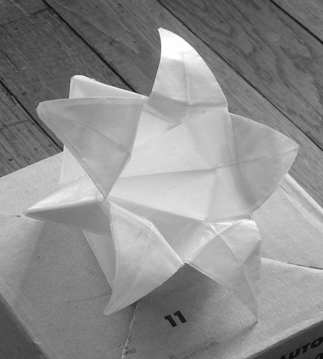 Boite en étoile en papier cristal