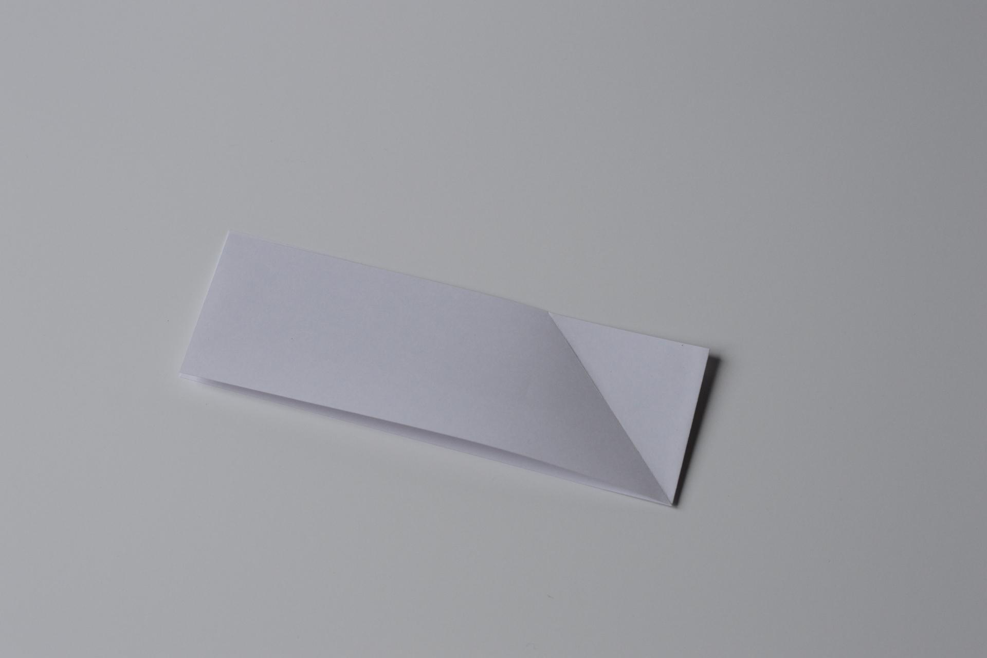 Pop fermé avec un pli en diagonal