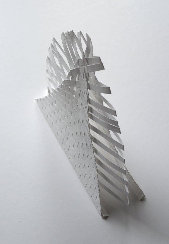 pyramide de papier hérissée