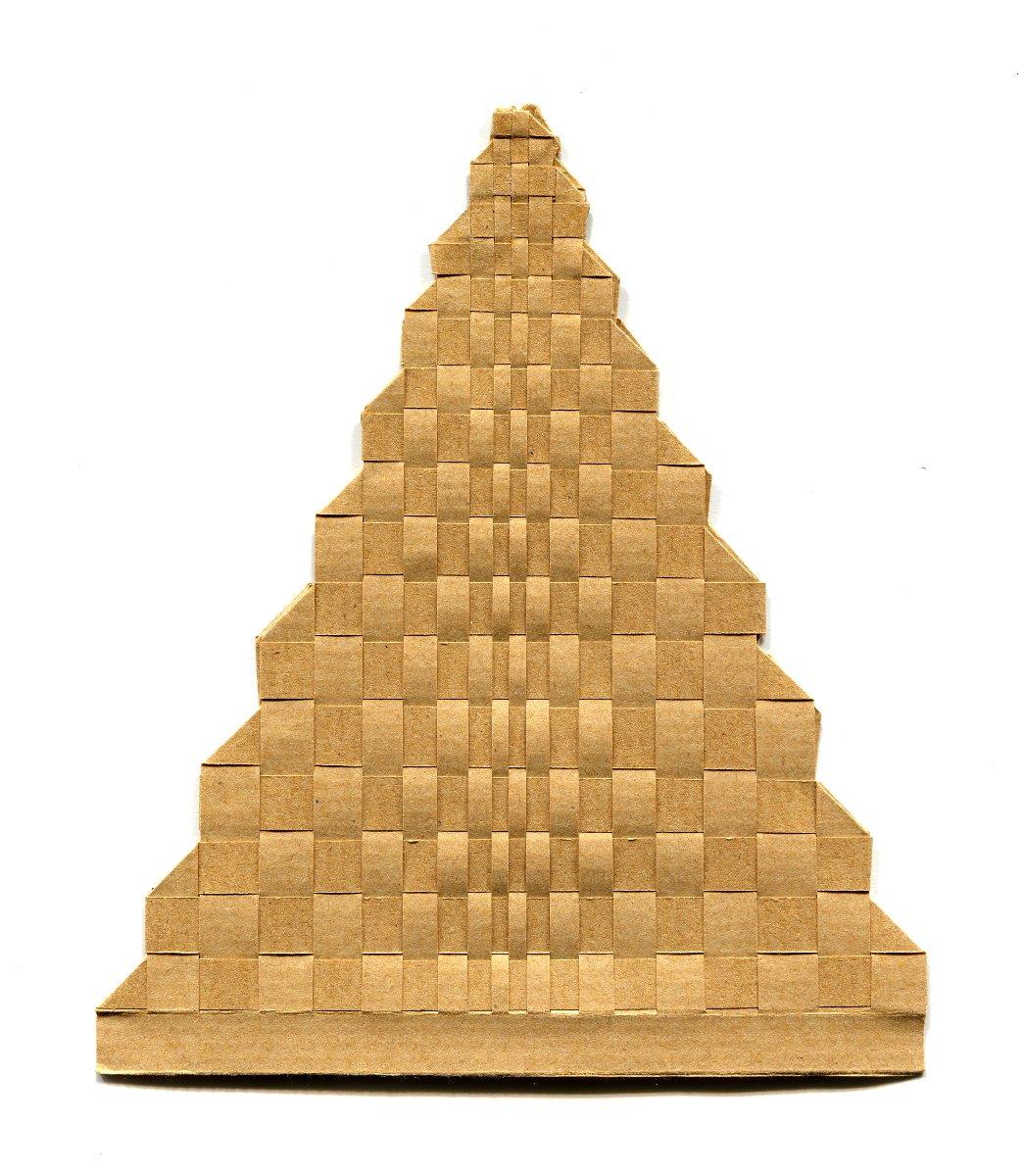 Pyramide tissée en papier kraft