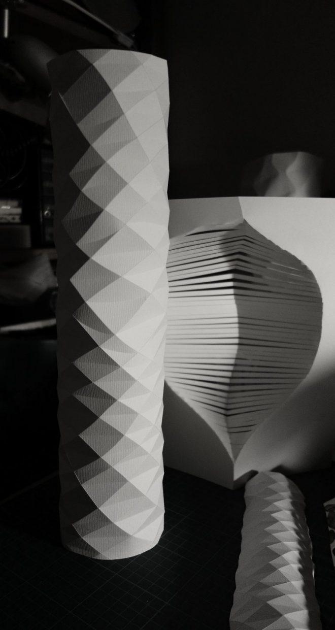 plusieurs créations de papier plié