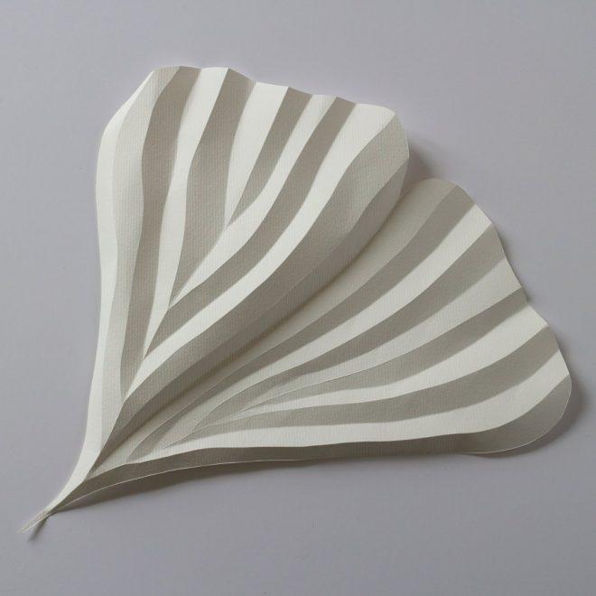 feuille de papier plié en feuille de ginkgo
